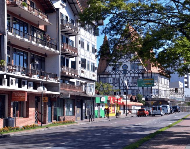 Tudo sobre a Rua XV de Novembro em Blumenau