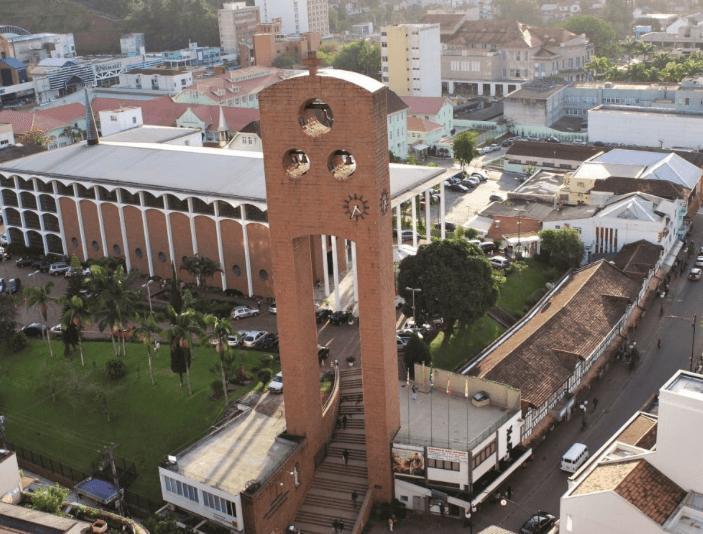 Catedral São Paulo Apóstolo em Blumenau: Torre