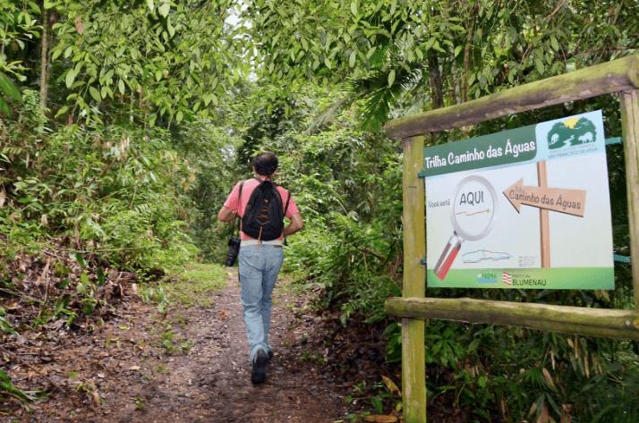 Parque São Francisco de Assis em Blumenau:Caminhada