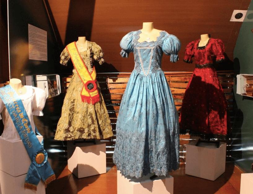 Museu de Hábitos e Costumes em Blumenau: Roupas