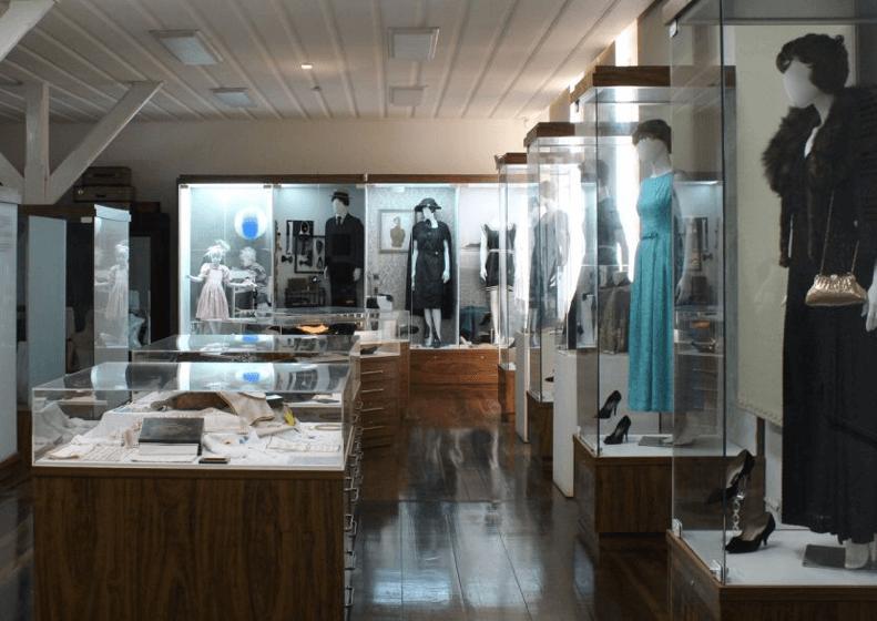 Museu de Hábitos e Costumes em Blumenau: Vitrines