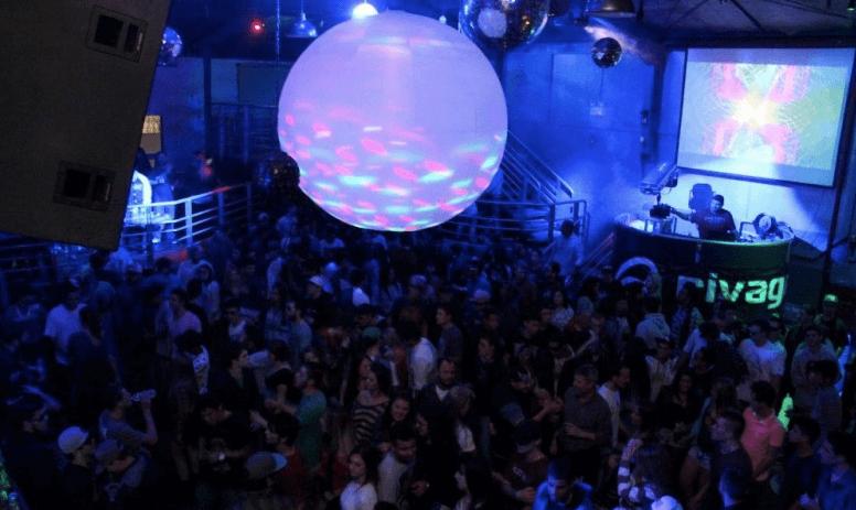 Balada Rivage para aproveitar a noite em Blumenau