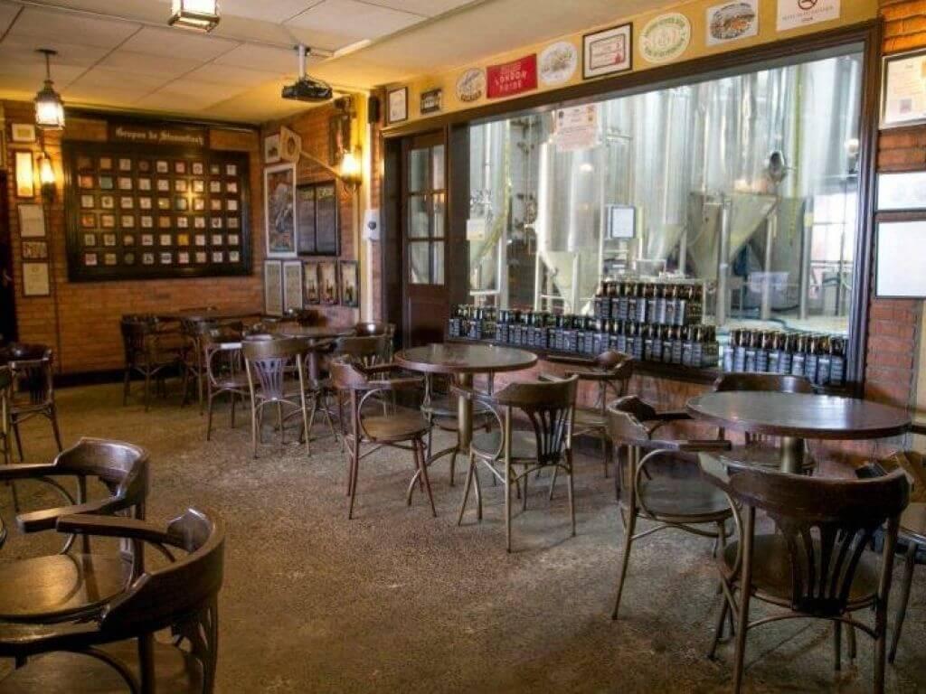 Cervejaria Eisenbahn em Blumenau: Bar