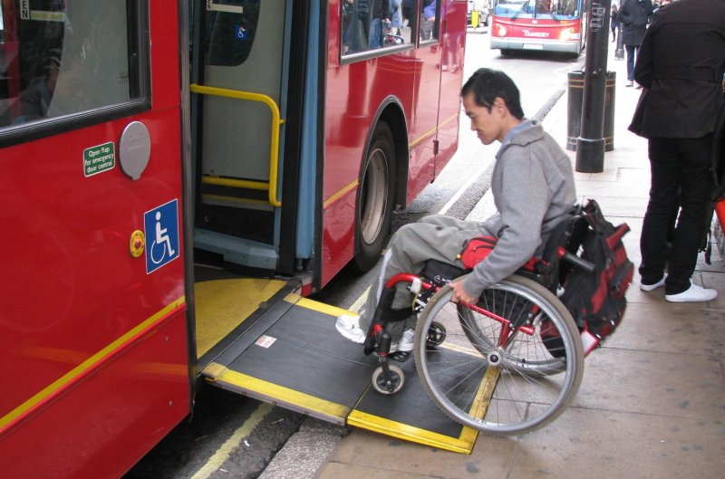 Deficientes físicos em Maceió: Meios de transportes adaptados