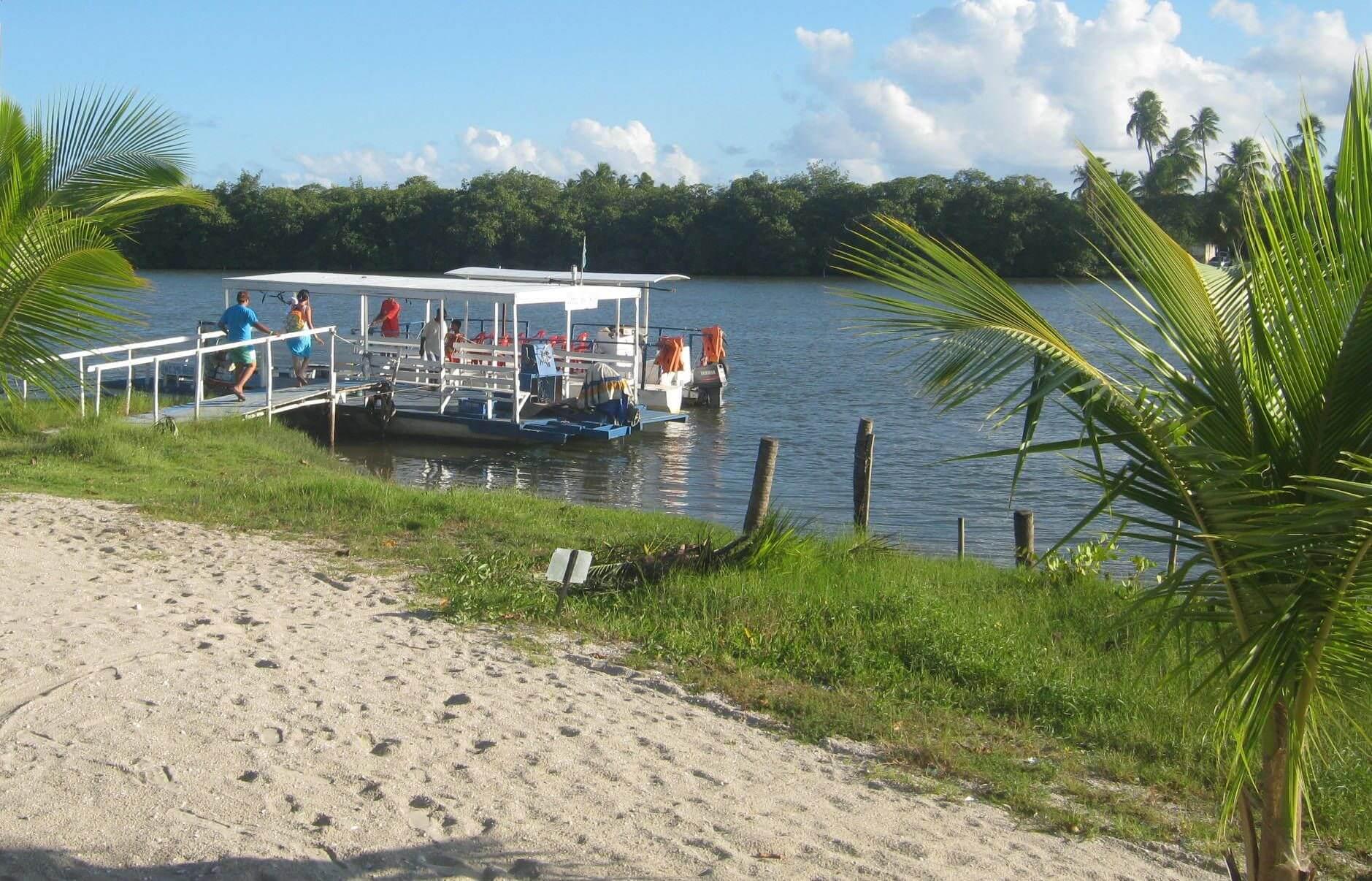 Píer na Ilha do Carlitos na Lagoa Mundaú em Maceió