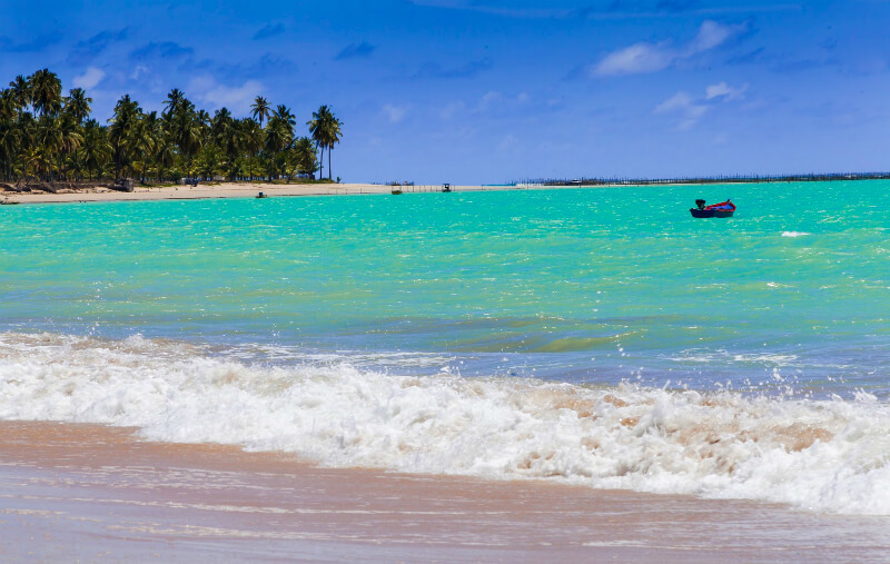 Mar da praia de Ipioca em Maceió