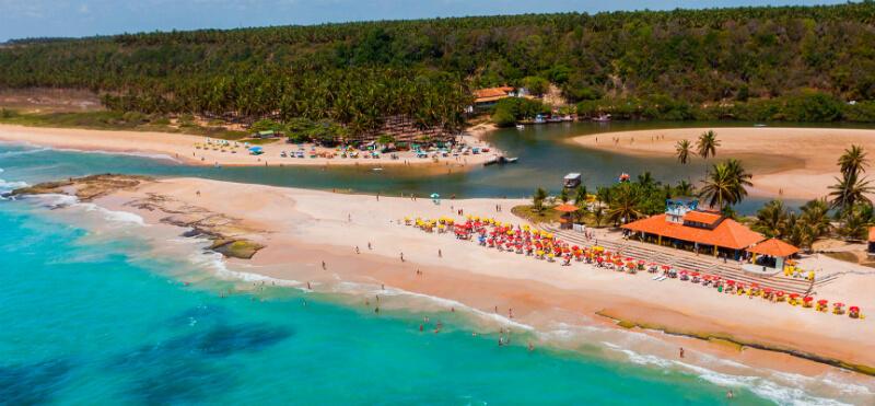 Vista da praia do Gunga em Maceió