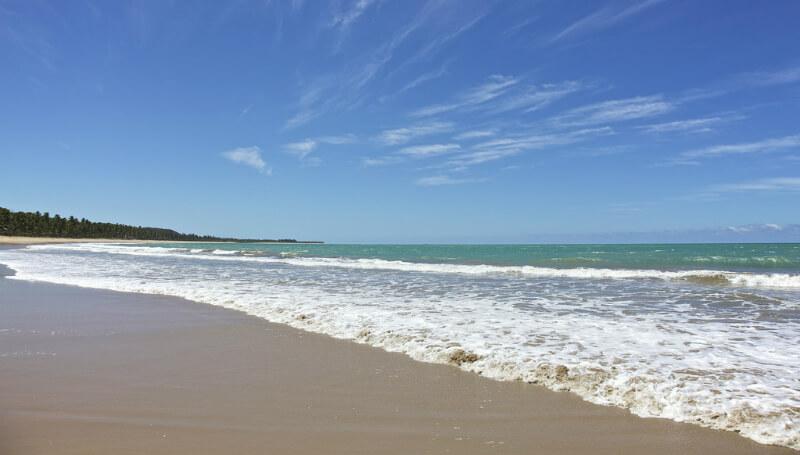 Mar da praia da Sereia em Maceió
