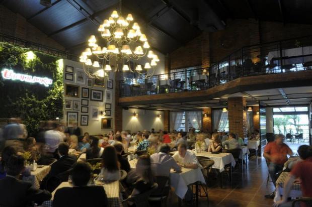 Tudo sobre a Rua XV de Novembro em Blumenau: Restaurante Thapyoka