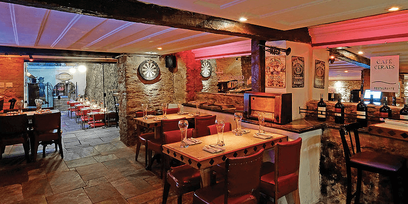 Escadabaixo Bar e Cozinha em Ouro Preto