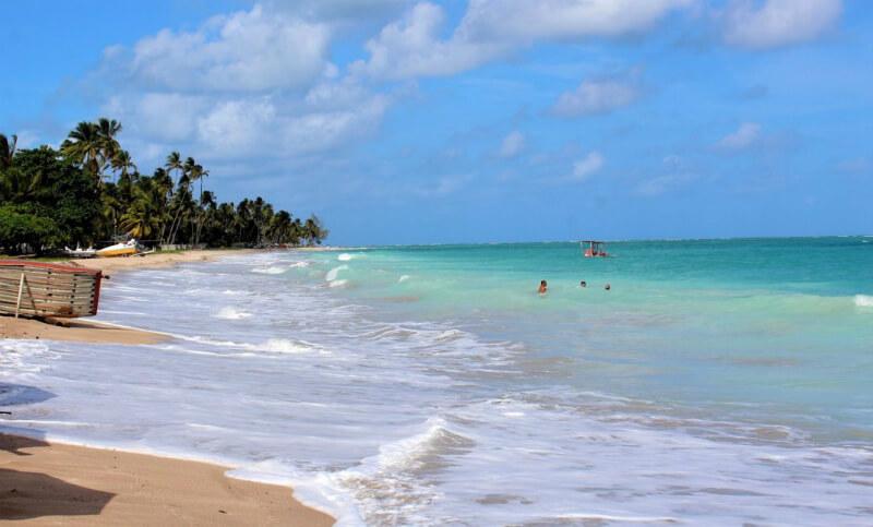 O que fazer de dia em Maceió: visitar as praias