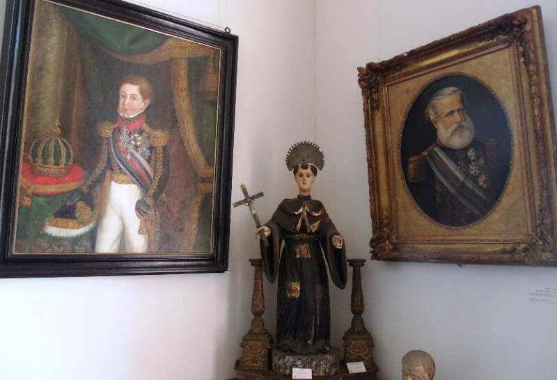 Obras de arte no Museu Pierre Chalita em Maceió