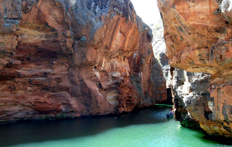 Paredões rochosos dos Cânions do Rio São Francisco em Maceió