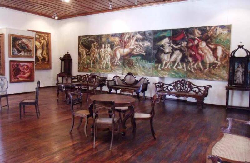 Museu de Arte Sacra Pierre Chalita próximo ao Museu Palácio Floriano Peixoto em Maceió