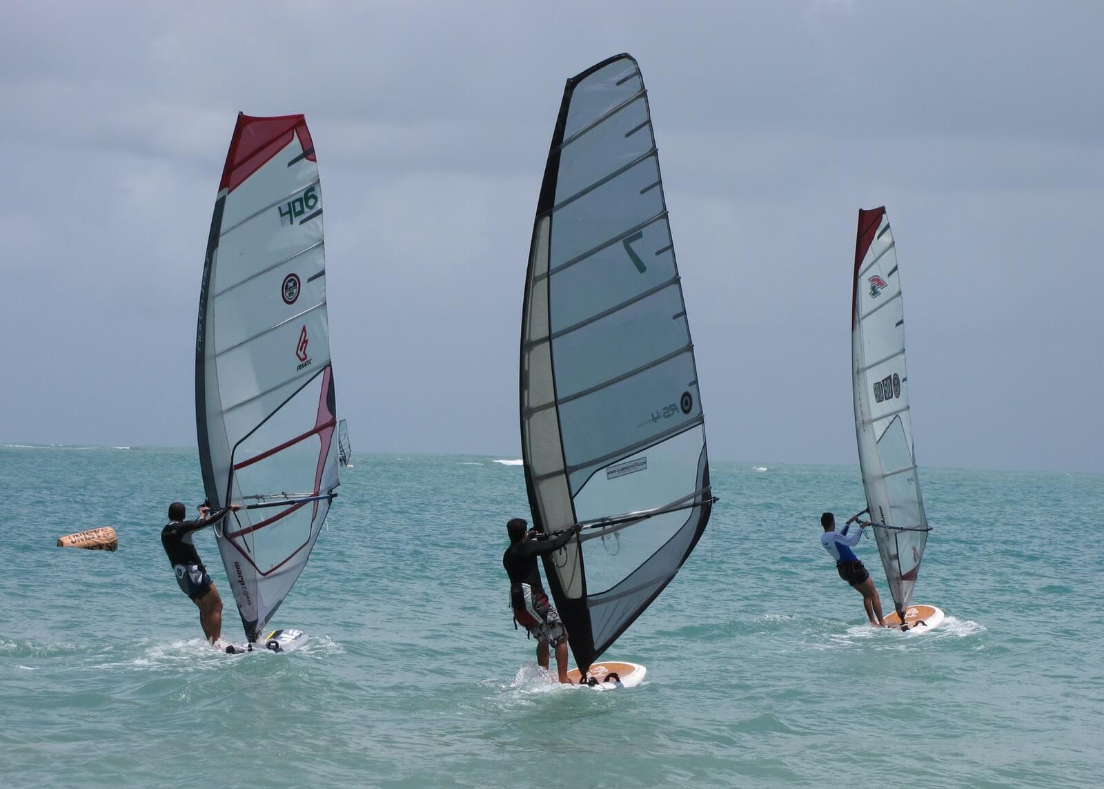 Windsurf na praia de Riacho Doce em Maceió