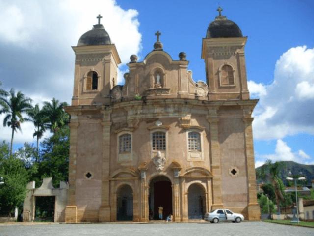Bate e volta: Ouro Preto x Mariana