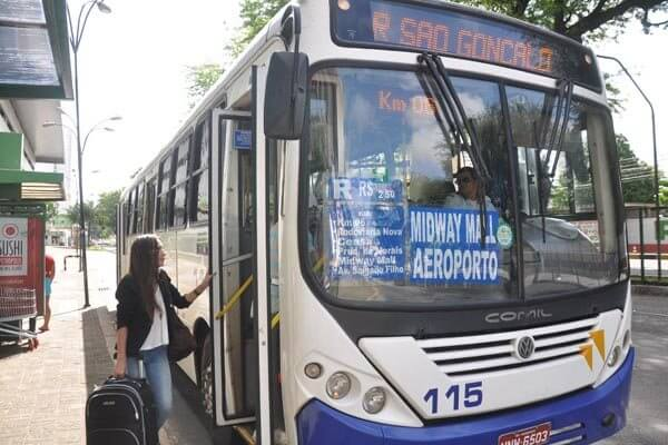 Ir do aeroporto de Natal até o centro turístico de ônibus